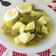Hervido de judias verdes con patatas y huevos