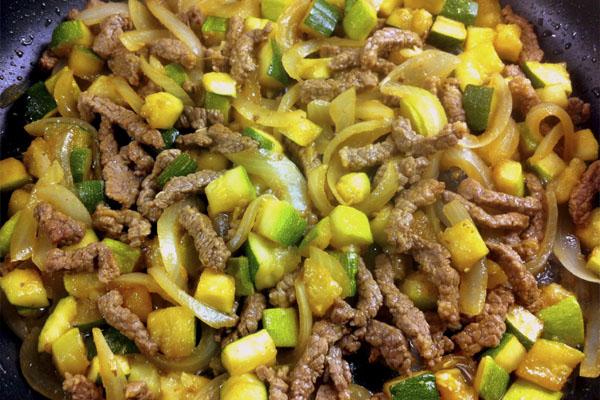 Salteado de verduras al wok y ternera