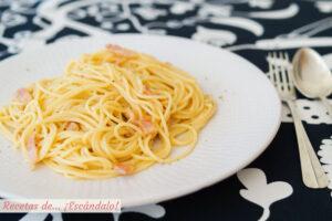 Espaguetis a la carbonara. Receta tradicional