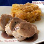 Solomillo de cerdo al horno en salsa con manzana caramelizada