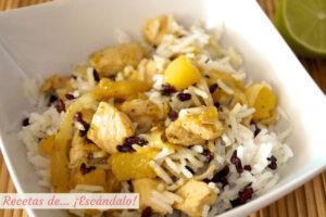 Ensalada de arroz y pollo al lemongrass con mango