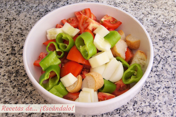 Cómo hacer gazpacho andaluz, la receta tradicional