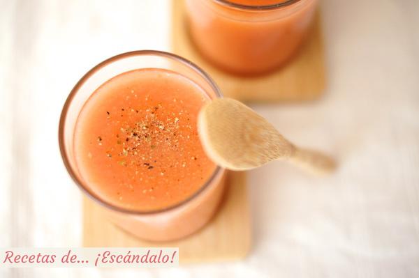 Receta tradicional de gazpacho andaluz