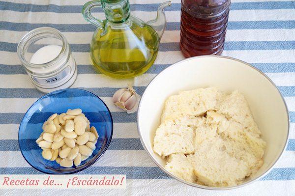 Ingredientes para la receta de ajoblanco malagueno