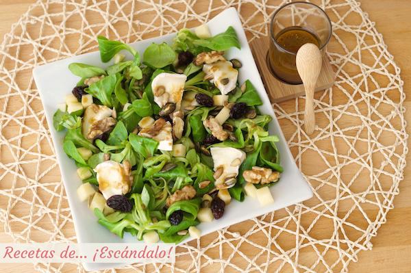 Receta de ensalada de canonigos con queso de cabra, frutos secos y vinagreta de miel