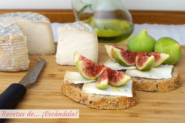 Receta de tostadas con queso Camerano e higos frescos aliñados