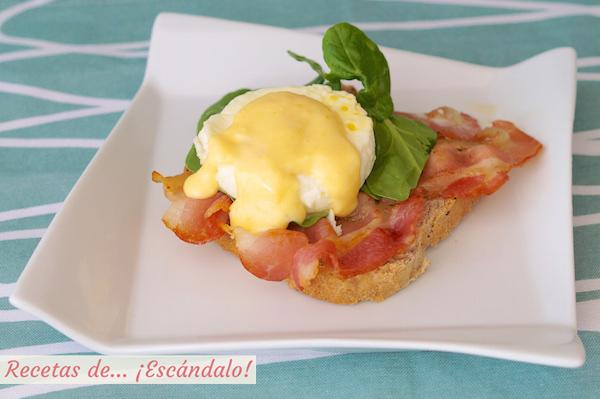 Receta de huevos benedict con salsa holandesa y bacon