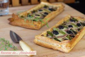 Tarta de hojaldre salada con espárragos y anchoas