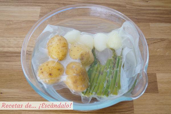 Cortar coccion verduras con agua con hielo