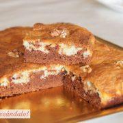 Brownie de chocolate negro y blanco con nueces