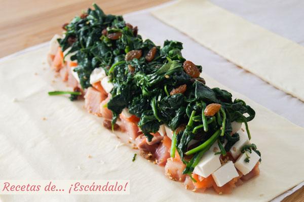 Hojaldre con salmon, queso feta y espinacas