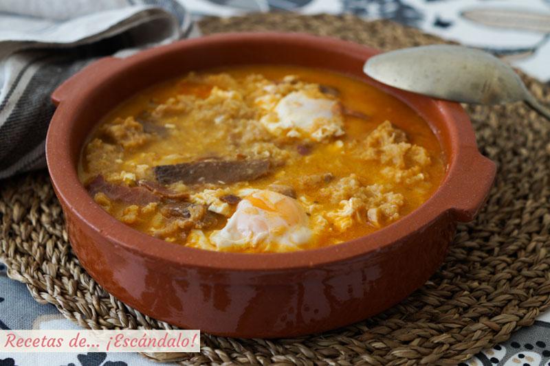 Sopa de ajo o sopa castellana. Receta tradicional