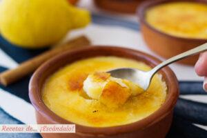 Crema catalana con su azucar quemada. Receta tradicional
