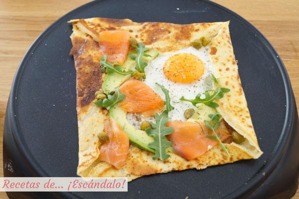 Crepe salada con salmon y aguacate