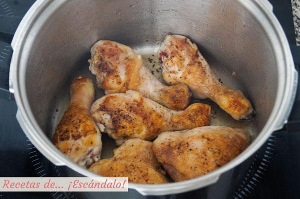 Muslos de pollo dorados