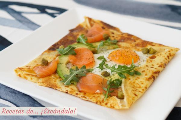 Receta de crepes salados con salmon, queso y rucula