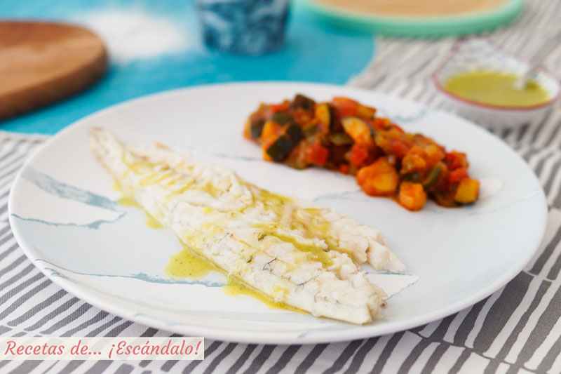 Lubina a la sal con pisto. Receta de pescado al horno muy facil y rica