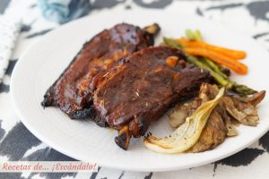 Churrasco de ternera al horno con salsa barbacoa y verduras asadas