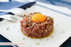 Steak tartar de carne, la receta con el mejor alino que hayas probado