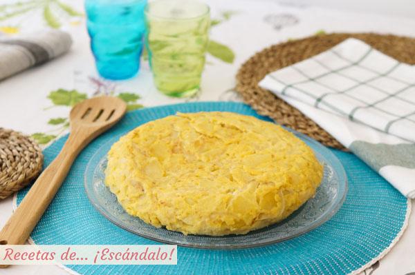 Como hacer la mejor tortilla de patatas. Receta con o sin cebolla