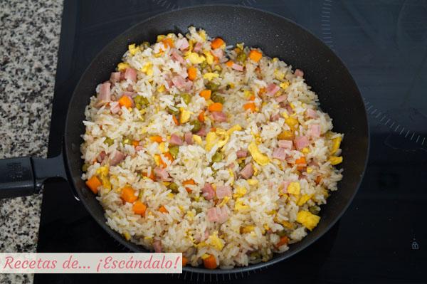 Como hacer arroz tres delicias chino