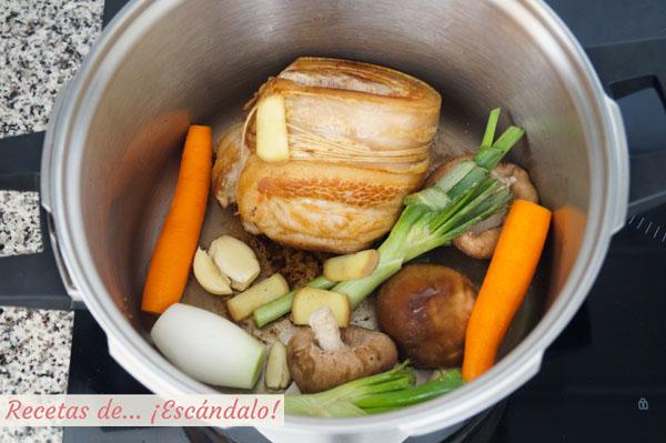 Ingredientes caldo de pollo ramen