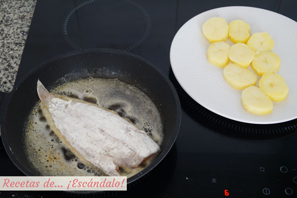 Lenguado a la Menier con guarnición de patatas cocidas