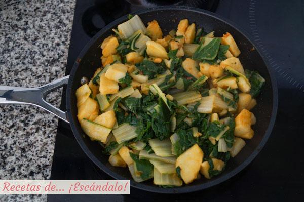Acelgas rehogadas con patatas y pimenton