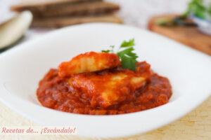 Bacalao con tomate. Receta tradicional muy facil y rica