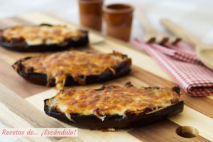 Berenjenas rellenas de atun con queso gratinado al horno