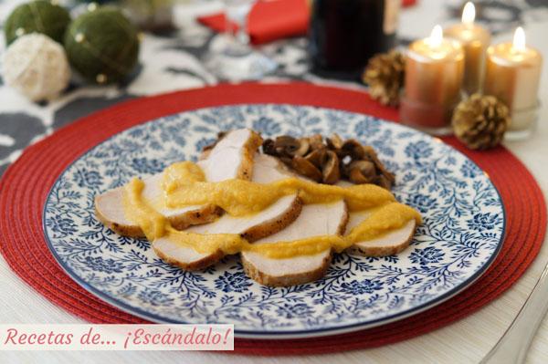 Receta de lomo de cerdo al horno con salsa de manzana, canela y verduras