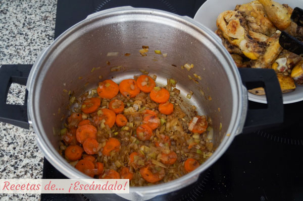 Verduras para pollo en salsa