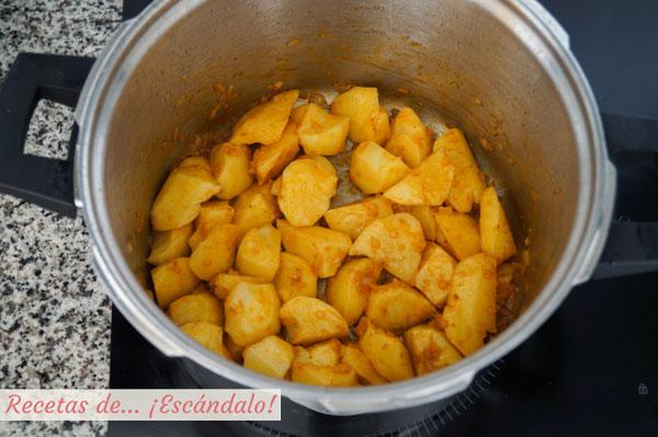 Como hacer guiso de patatas con bacalao