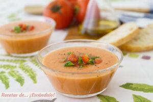 Gazpacho andaluz. Aprende como hacerlo en un momento e ingredientes