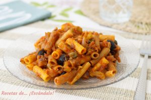Pasta con verduras al estilo caponata siciliana. Receta facil