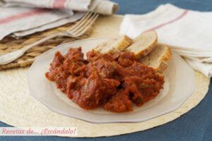 Carne con tomate. Receta típica andaluza muy fácil y rica