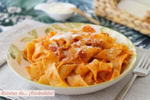 Pappardelle a la amatriciana, una salsa deliciosa italiana