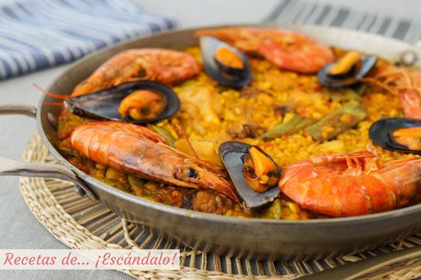 Receta de paella mixta con marisco, carne y verduras