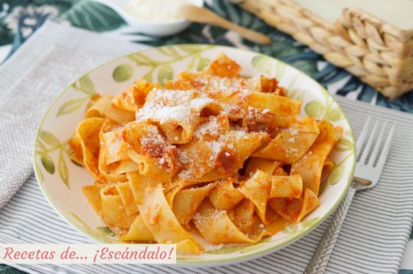 Receta de pappardelle a la amatriciana, una salsa deliciosa italiana