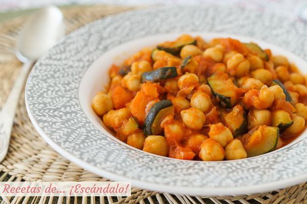 Receta de potaje de garbanzos con verduras, facil y rico