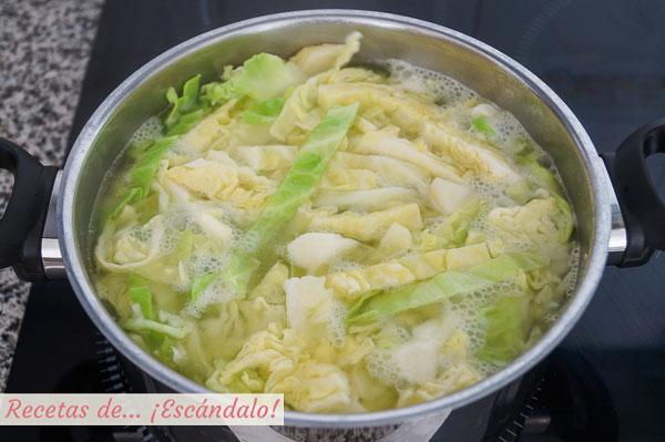 Col y patata para trinxat tradicional