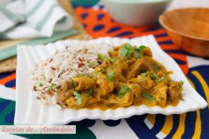 Pollo tikka masala con arroz. Receta exotica con especias