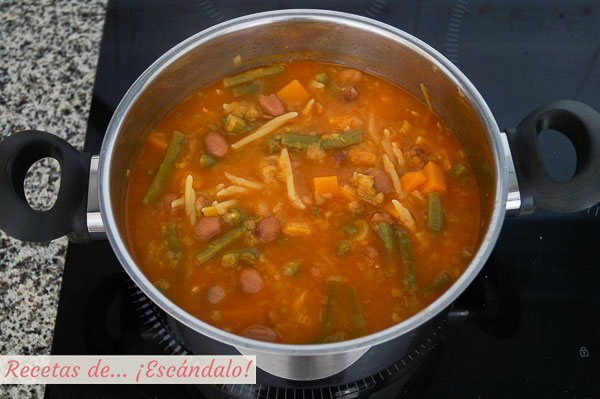 Sopa minestrone casera