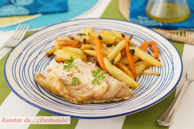 Mero al horno con patatas, zanahorias y chalotas