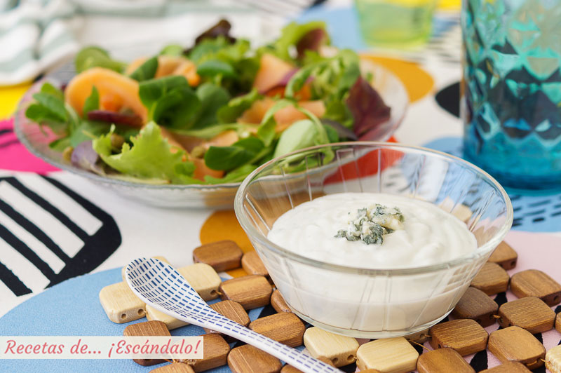 Salsa de queso roquefort y yogur para ensaladas, riquisima
