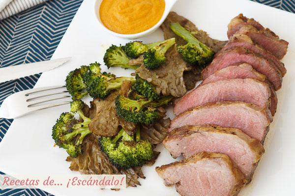 Como hacer presa iberica de cerdo al horno con setas y brocoli y salsa romesco
