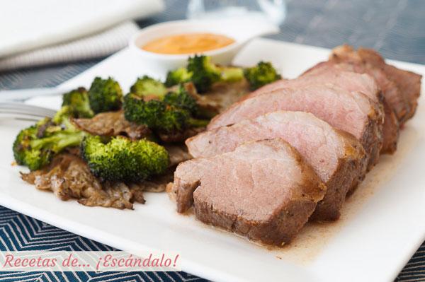 Receta de presa iberica de cerdo al horno con setas y brocoli y salsa romesco