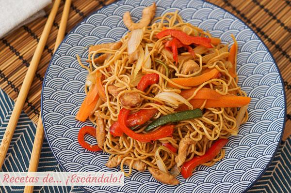 Como hacer chow mein de pollo y verduras, unos fideos chinos salteados riquisimos