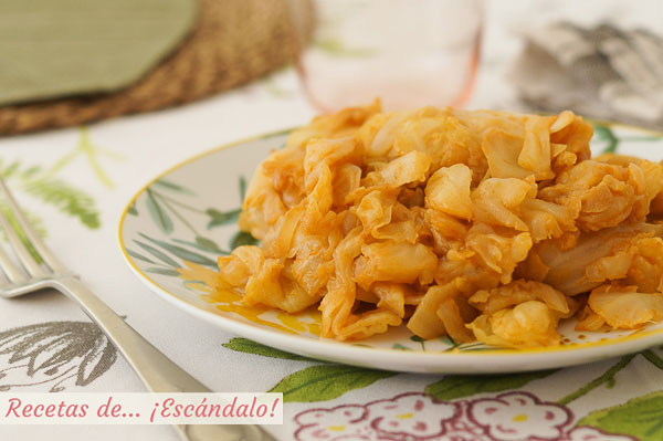 Receta de repollo rehogado con pimenton y ajos, nn plato ligero, sencillo y rico