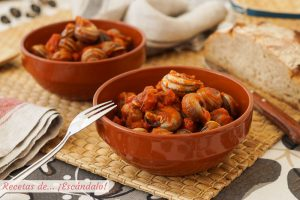 Caracoles en salsa (picante o no) con jamón y chorizo